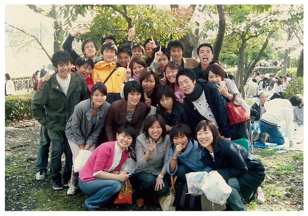 新入社員研修時代、同期と大阪城公園に遊びに行った時の思い出の1枚