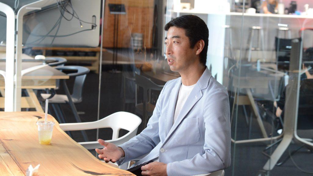 清水さんがSansanに在籍していた時の上司・久永航さん